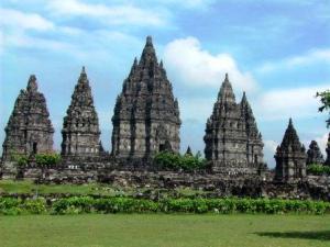 Pesona Pulau Jawa: Candi Prambanan