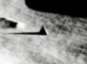 pangkalan UFO di Bulan